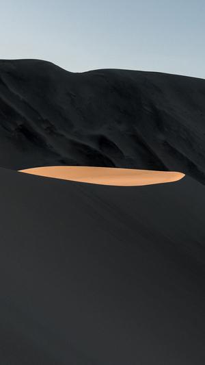 minimal-mountiain-black-art-illustration