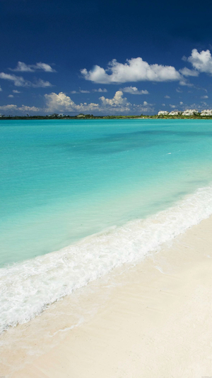 morning-calm-beach-shiny-ocean-view